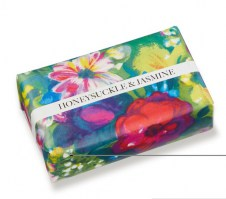 081JME LoveOlli Honeysuckle and Jasmine Soap Bar